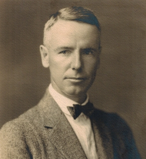 1923-08-00 Photo of Cyril Workman KNIGHT b1879